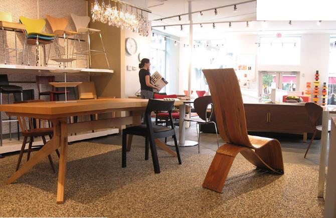 Oak Floor Chair Colectivo